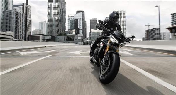 Speed Triple 1200 RS #01